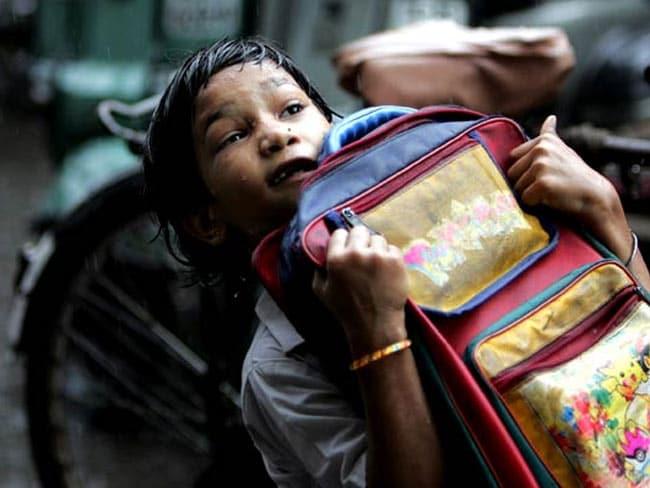 तेलंगाना सरकार के इस फैसले के बाद बस्तों के बोझ तले नहीं दबेगा बच्चों का भविष्य