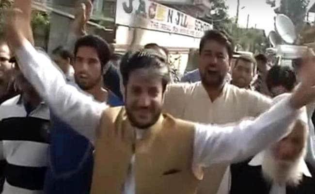 जम्मू-कश्मीर में हड़ताल और विरोध प्रदर्शनों पर सरकार की सख्ती से बौखलाए अलगाववादी