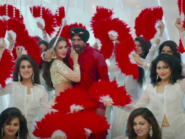 A Singh With Major Bliing: Akshay Kumar Stars in Trailer as Raftaar