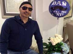 पंजाबी पॉप सिंगर सुखबीर सिंह लाहौर एयरपोर्ट पर रोके जाने के बाद गायब हुए