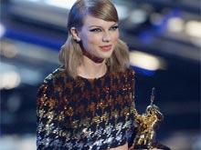MTV VMAs: Taylor Swift Dominates With 4 Wins