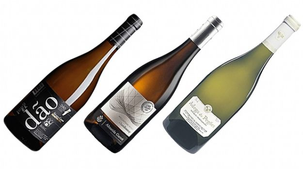 Top of the Chart: 3 Best White Wines from Portugal