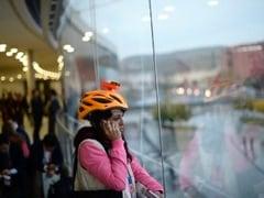 मोबाइल की वजह से युवाओं की खोपड़ी में निकल रहे हैं सींग, नई रिसर्च में हुआ खुलासा
