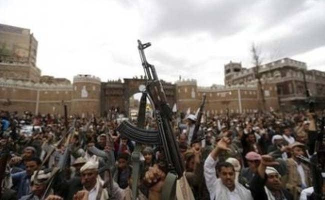 Yemen Loyalists Battle Rebels for Key Airbase