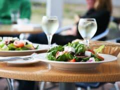 स्वच्छ भारत उपकर लागू, आज से रेस्तरां में खाना और फोन करना हुआ महंगा