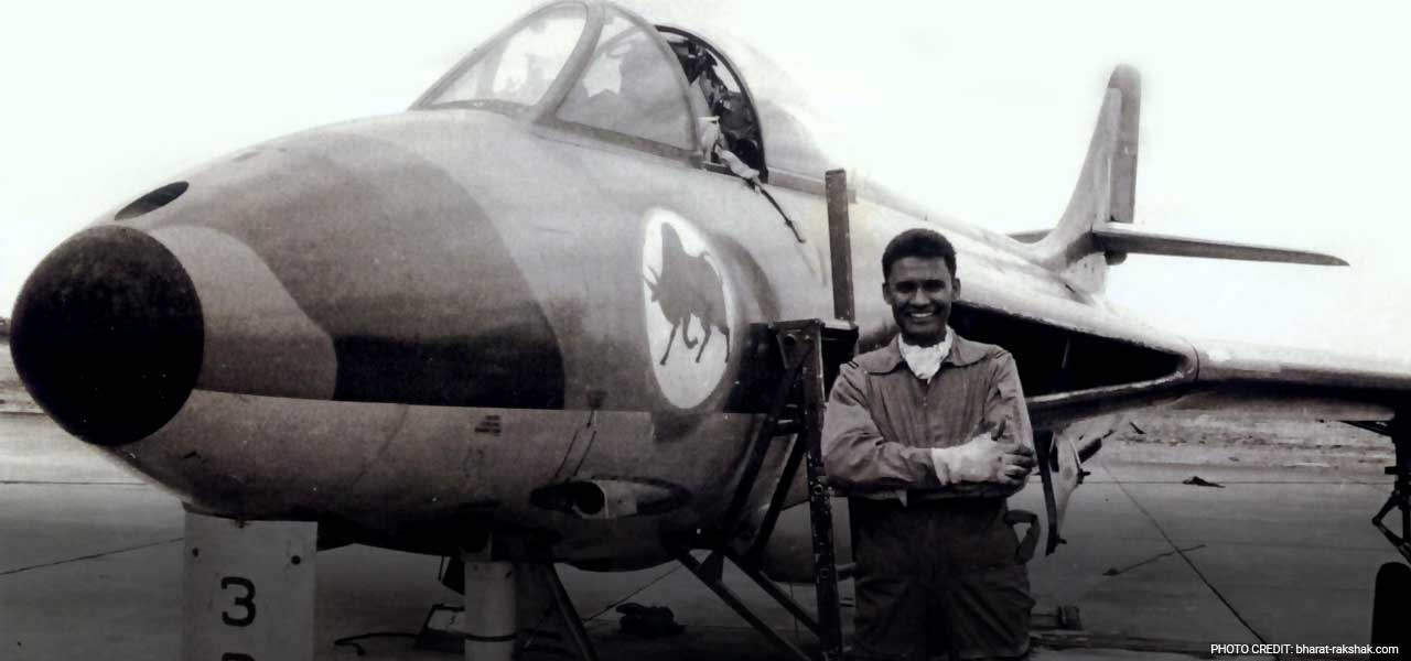 4 Pak Fighter Jets, But an Indian Air Force Hero Won the Day