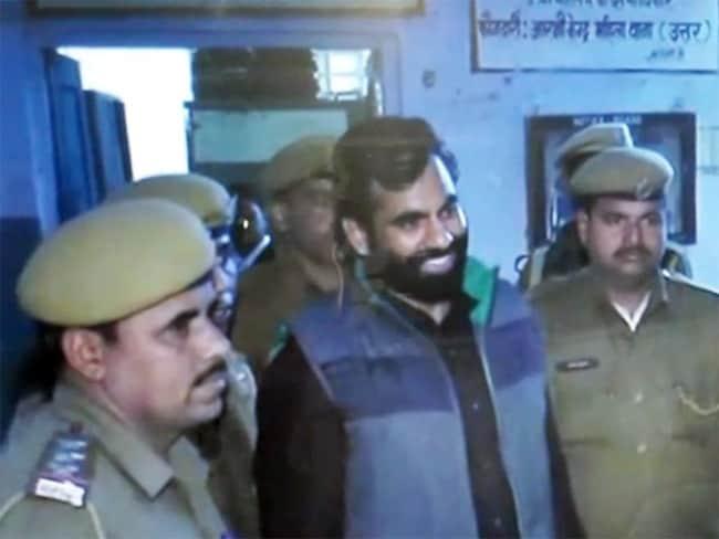राजस्थान : पुलिस वैन पर गोलियां चलाकर छुड़ा ले गए टॉप गैंगस्टर को