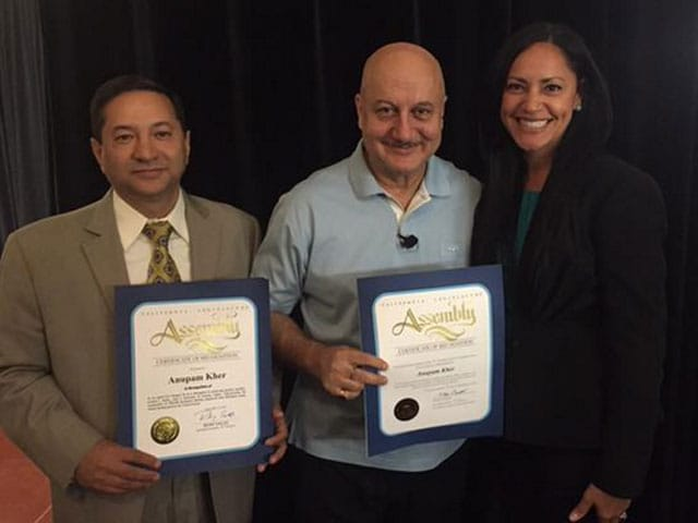 Anupam Kher Gets Certificate in US For Working With Kashmiri Hindus