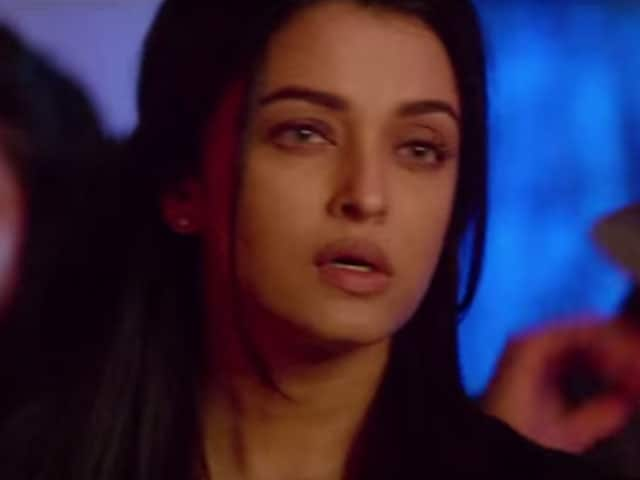 Aishwarya Goes to a Club in Jazbaa Song, But She's Not There to Party