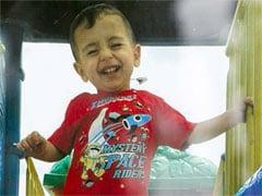 उस सीरियाई बच्चे की जिदंगी में झांकती कुछ तस्वीरें