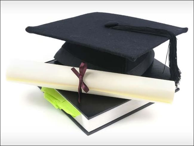 अब UAE में बढ़ी भारतीय डिग्री की वैल्यू, मिलेगी आसानी से नौकरी