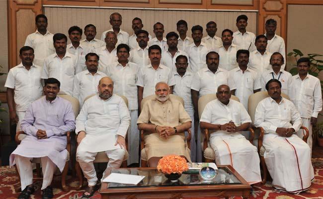 Delegation of Tamil Nadu's Devendrakula Vellalars Community Meet PM Modi
