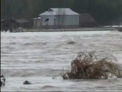 पश्चिम बंगाल में बाढ़ से हालात खराब, 100 से ज्यादा गांव प्रभावित