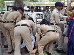 FTII Students Hold Hunger Strike In Delhi, Removed From Protest Site