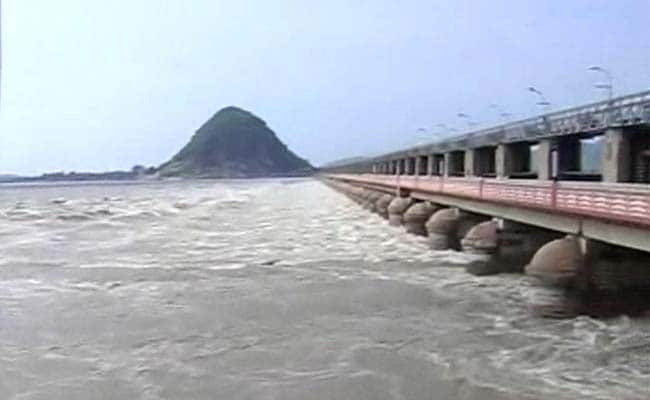 Godavari, Krishna Rivers In Spate, Government On High Alert