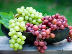 7 Amazing Benefits of Grapes for Health and Skin