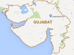 गुजरात : शर्त जीतने की खातिर इस शख्स ने निगल लिया चिमटा