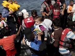 500 प्रवासियों को ले जार रही नौका भूमध्य सागर में पलटी, 200 डूबे; 34 शव बरामद