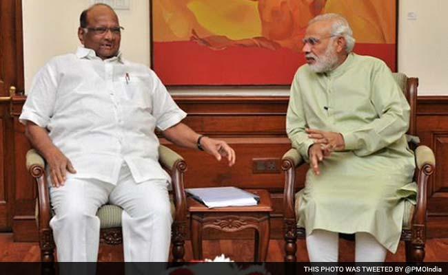 महाराष्ट्र में सरकार पर सस्पेंस के बीच PM मोदी से मिले शरद पवार, मुलाकात के बाद किया यह Tweet...