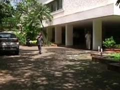 In Mumbai, Celebrity Bungalows Turn Mosquito Dens