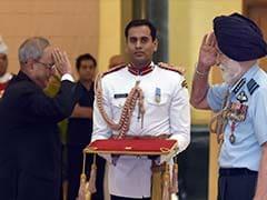 President Mukherjee Honours Ex-Servicemen on Golden Jubilee of 1965 War Triumph