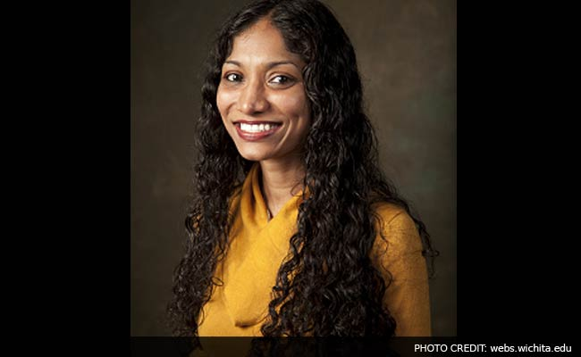 Indian-American Professor Wins Outstanding Teacher Award in US