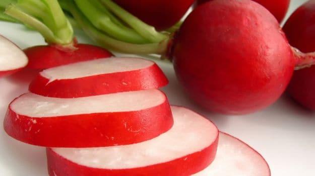 sliced radish
