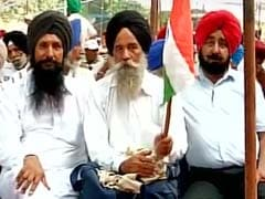 Ex-Servicemen Hold 'Sainik Ekta' Rally at Delhi's Jantar Mantar