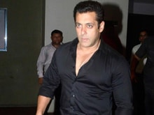 Salman Khan 'Doesn't Behave Like a Star.' For Proof, See His Clothes