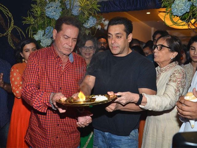 Inside Pics: Salman Khan, Sanjay Dutt, Shilpa Shetty's Ganesh Chaturthi Revelry