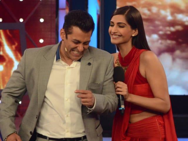 Salman Khan is Good at Romance, Says Sonam Kapoor