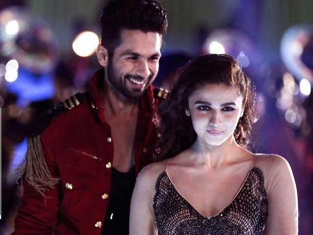 Alia, Shahid's Shaam is Shaandaar in New Song