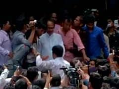 Shivraj Singh Chouhan Heckled on way to Blast Site in Madhya Pradesh