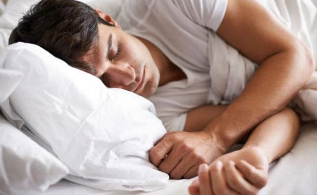 People Who Sleep In On Weekends Avoid Dying Young, Study Suggests