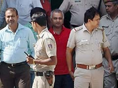 घरेलू हिंसा मामला : सोमनाथ भारती एक दिन के लिए तिहाड़ जेल भेजे गए