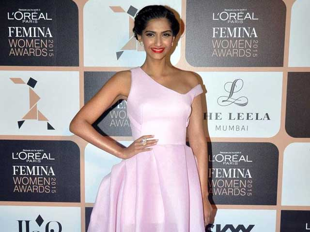 Trolled, Sonam Kapoor Says She'll Stick to Fashion in Tweets