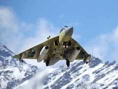 कमियों के बावजूद स्वदेशी तेजस को वायुसेना में शामिल करने का निर्णय