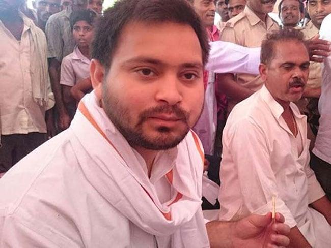 बिहार के युवा उप मुख्यमंत्री तेजस्वी यादव ने आलोचकों को कुछ यूं दिया जवाब
