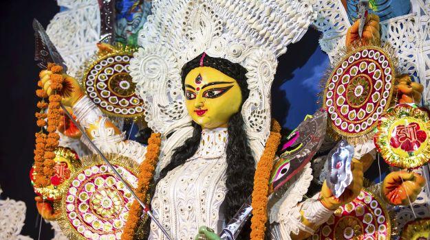 Durga Puja 2017: दुर्गा पूजा को और भी खास बनाती हैं ये 10 परंपराएं