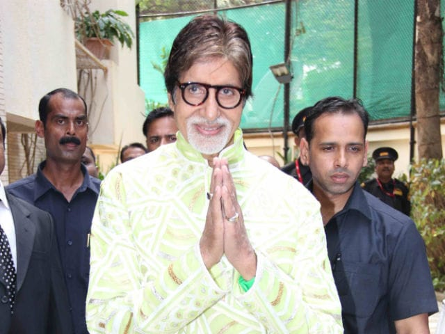 Amitabh Bachchan Thanks Fans For 'Love and Greetings' on Birthday
