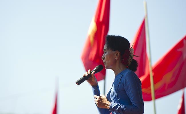 Myanmar's Aung San Suu Kyi Calls for Unity in Divided Rakhine