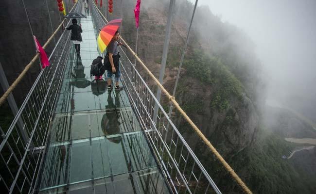 China's New Glass-Bottom Bridge Cracks - 3,500 Feet Above Earth