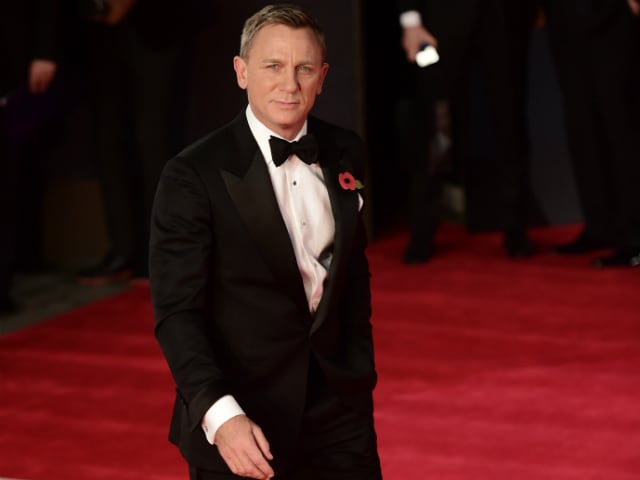 Daniel Craig 'Loves' Playing Bond But 'Hates' Watching Himself On Screen
