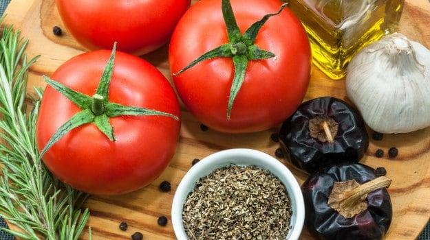 A Mediterranean Diet Can Keep Your Brain Healthier & Younger