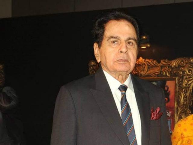 दिलीप कुमार के बंगले को लेकर विवाद, सुप्रीम कोर्ट ने कहा बिल्डर से मिलकर मामला सुलझाएं