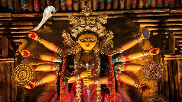 Durga Puja 2020: 10 Delicious Dishes You Must Eat During the Festival