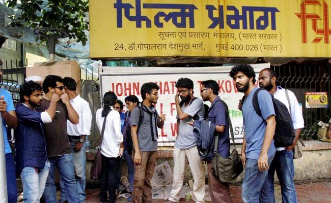No Breakthrough After Fourth Meeting Between FTII Students, Government
