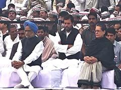मनमोहन, सोनिया, राहुल गांधी ने पुण्यतिथि पर इंदिरा गांधी को दी श्रद्धांजलि