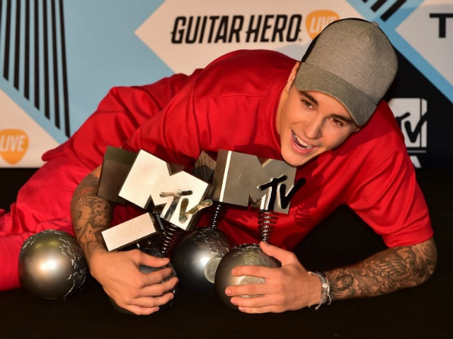 Justin Bieber Wins Big At MTV Europe Music Awards 2015