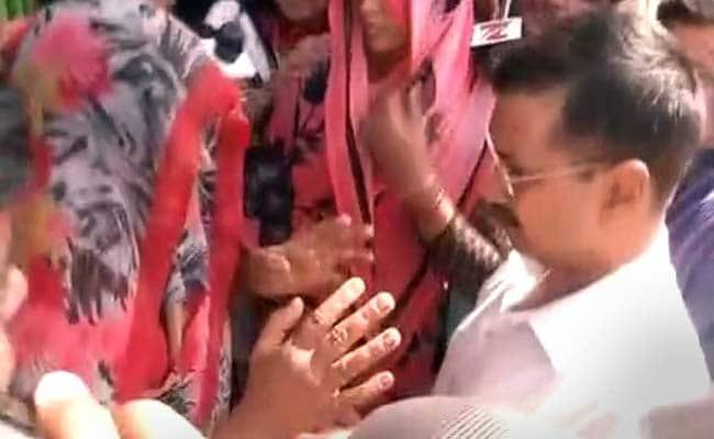 After Kejriwal, Rahul Gandhi Visits Dadri Where Man Was Killed Over Beef Rumours